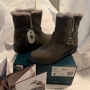 NIB EMU winter boots sz 6 charcoal roadside boots